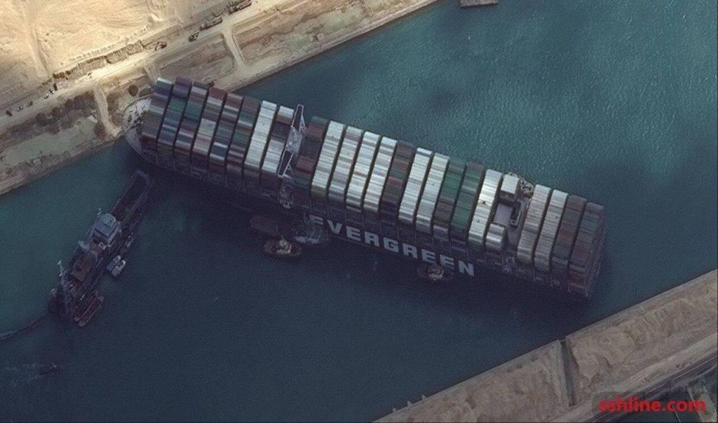 کشتی به گل نشسته